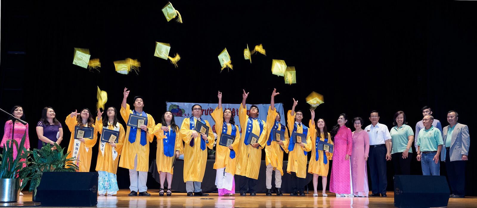 Lễ Tốt Nghiệp Trường VNHV Niên Khóa 2017-2018